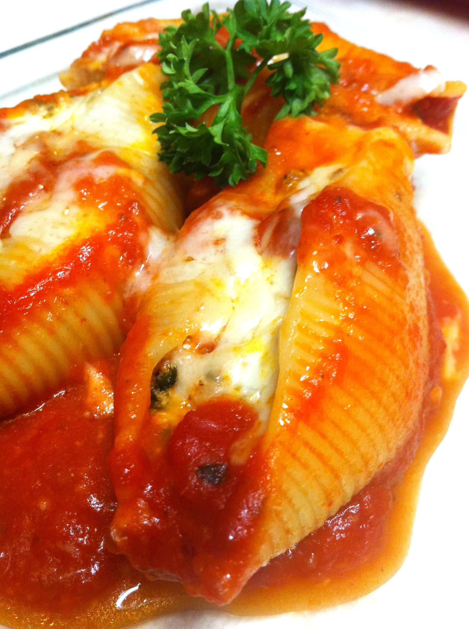 Ricotta, Spinach and Sausage Stuffed Shells IamSimplyTia